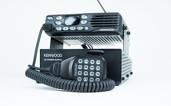 Kenwood DMR Mobilgerät mit Lautsprecher-Mikrofon